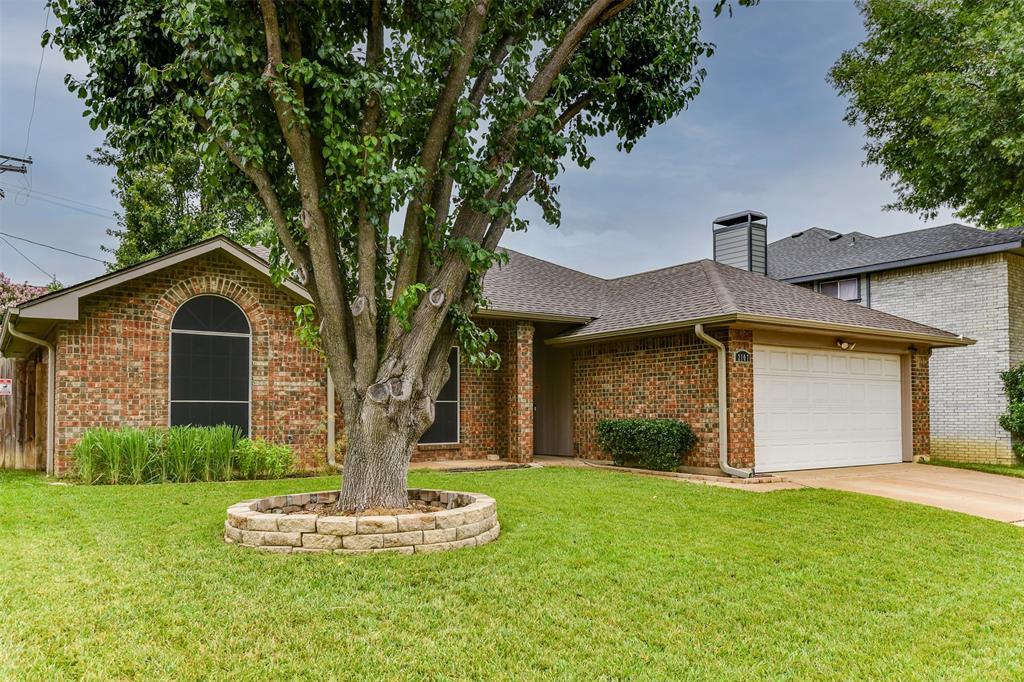 2107 Havenwood  Drive, Arlington, Texas 76018 - acquisto real estate best negotiating realtor linda miller declutter realtor