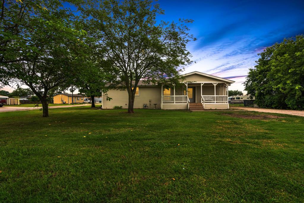 406 Henderson  Street, Itasca, Texas 76055 - Acquisto Real Estate best frisco realtor Amy Gasperini 1031 exchange expert