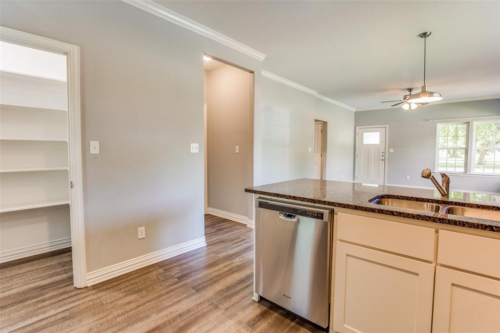 600 Johnson  Street, Denison, Texas 75020 - acquisto real estate best luxury buyers agent in texas shana acquisto inheritance realtor