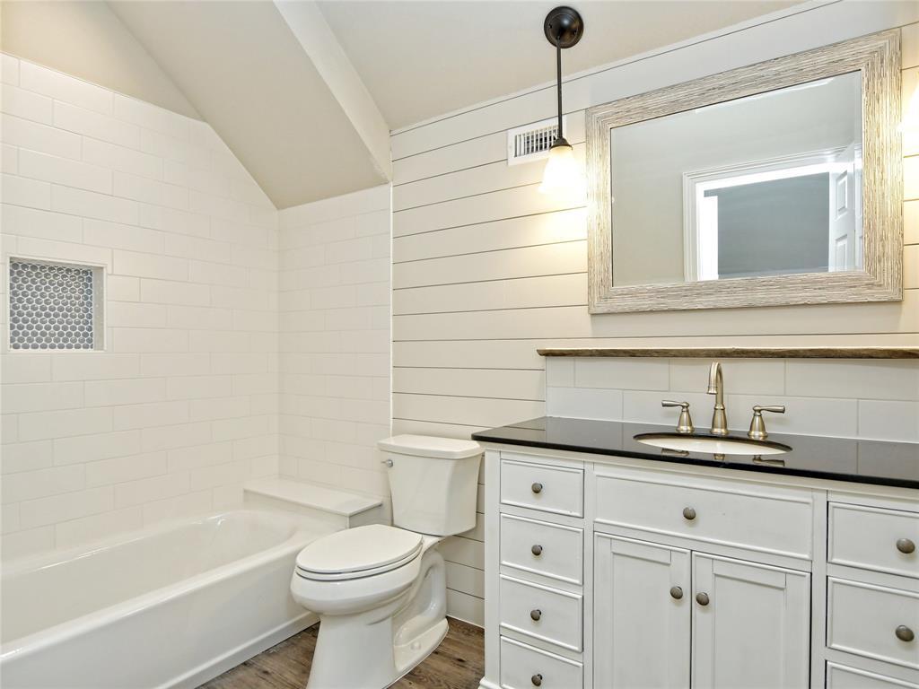 100 Timber Ridge  Road, Marble Falls, Texas 78654 - Acquisto Real Estate best frisco realtor Amy Gasperini 1031 exchange expert