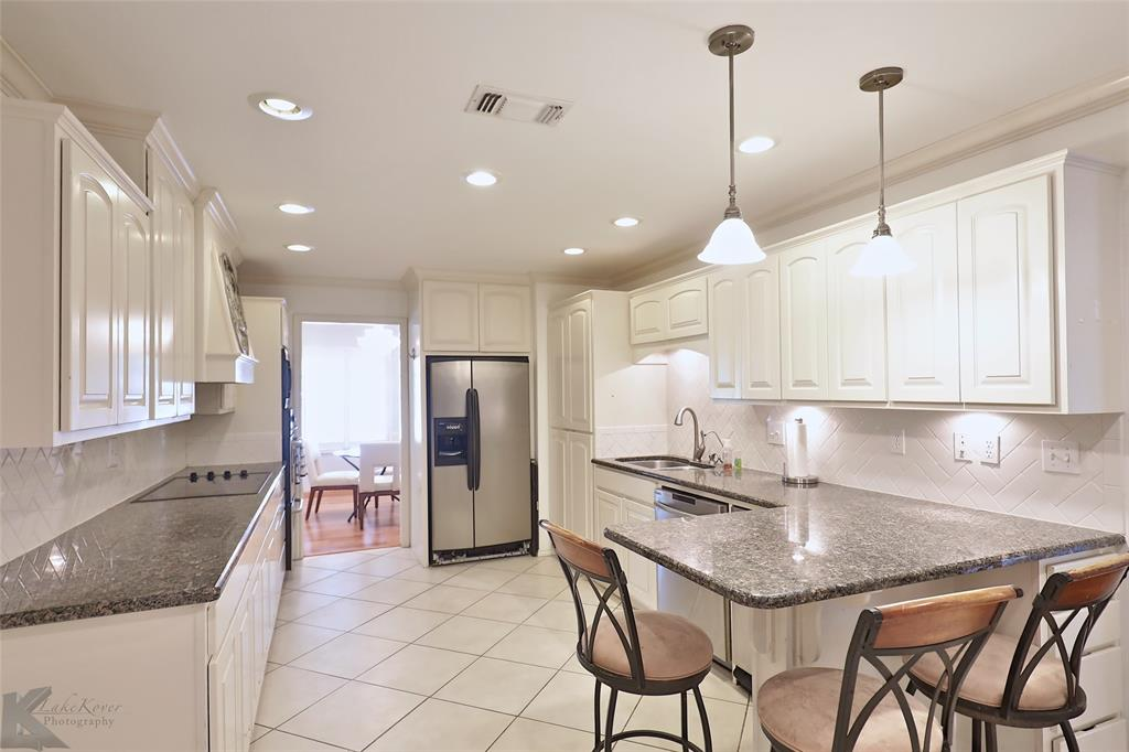 1600 Kiowa  Drive, Big Spring, Texas 79720 - acquisto real estate best real estate company in frisco texas real estate showings
