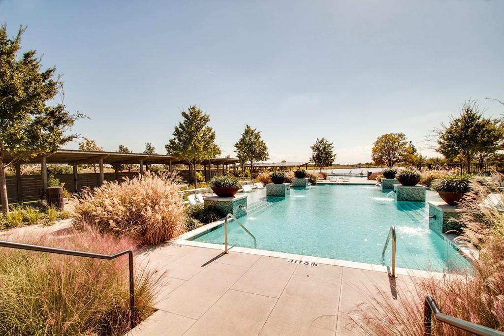 600 Sunflower  Avenue, Argyle, Texas 76226 - acquisto real estate mvp award real estate logan lawrence