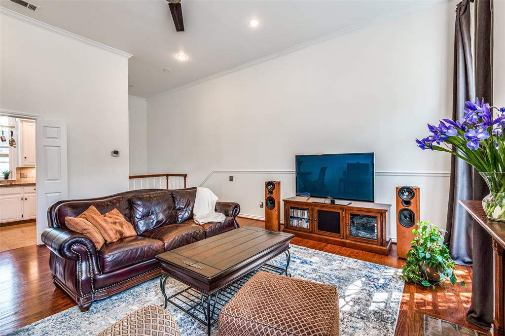 4519 Gilbert  Avenue, Dallas, Texas 75219 - acquisto real estate best real estate company in frisco texas real estate showings