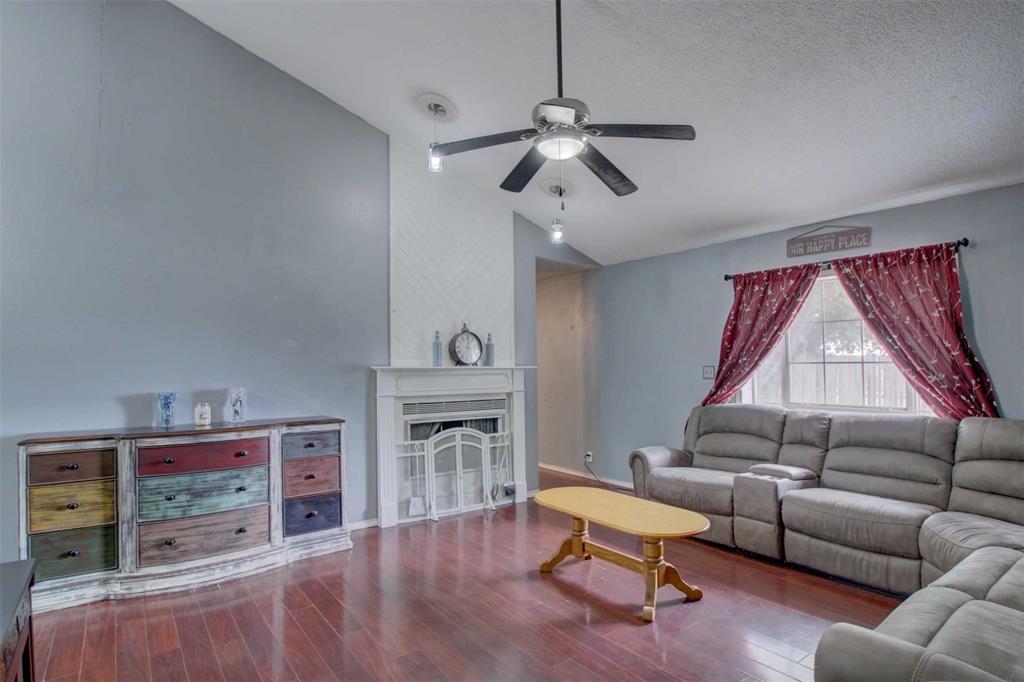 1307 Linda  Court, Cleburne, Texas 76033 - acquisto real estate best allen realtor kim miller hunters creek expert