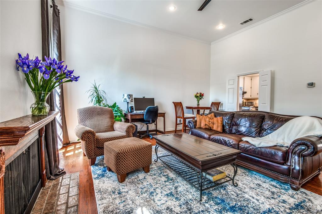 4519 Gilbert  Avenue, Dallas, Texas 75219 - acquisto real estate best real estate company to work for