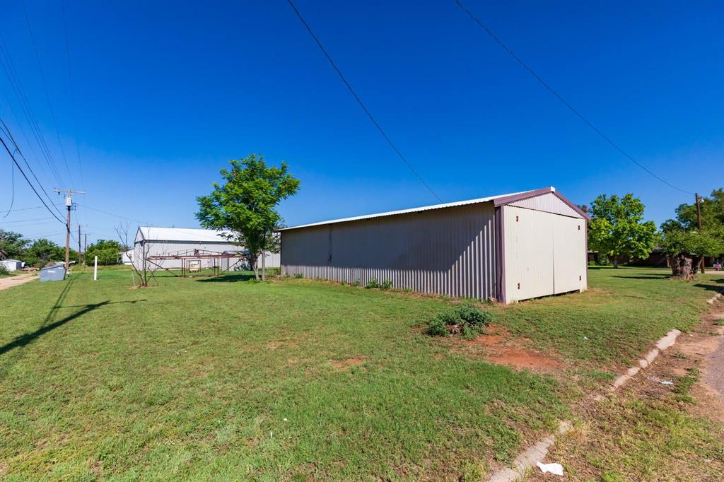 711 Elizabeth  Rotan, Texas 79546 - Acquisto Real Estate best frisco realtor Amy Gasperini 1031 exchange expert
