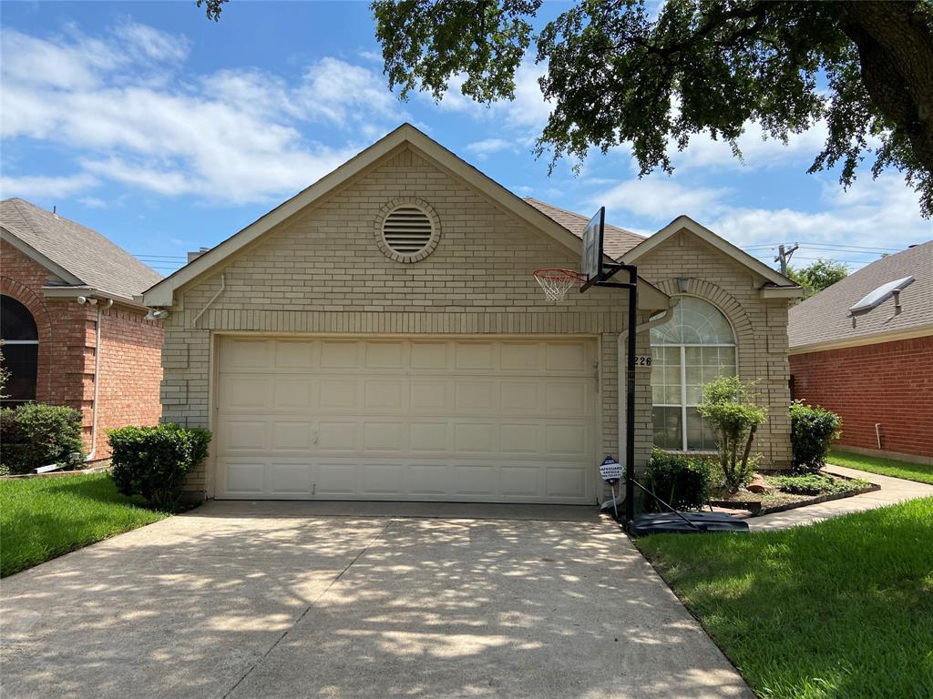 2226 Walnut Grove  Lane, Garland, Texas 75044 - Acquisto Real Estate best frisco realtor Amy Gasperini 1031 exchange expert
