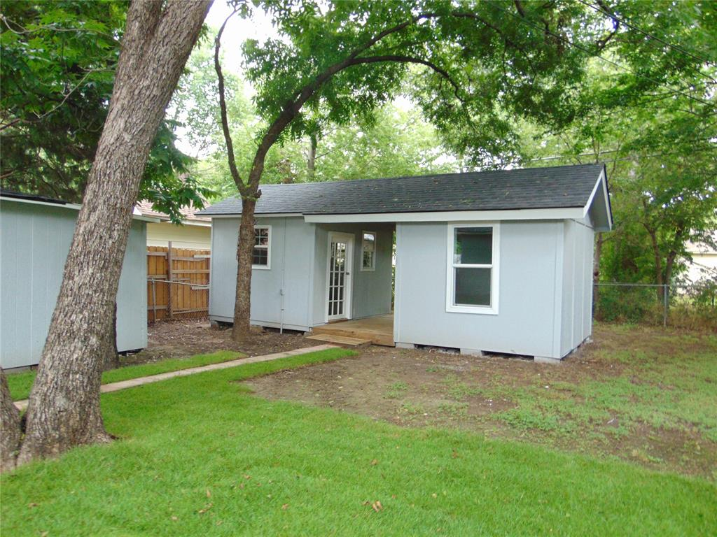 718 19th  Street, Grand Prairie, Texas 75050 - acquisto real estate best luxury buyers agent in texas shana acquisto inheritance realtor