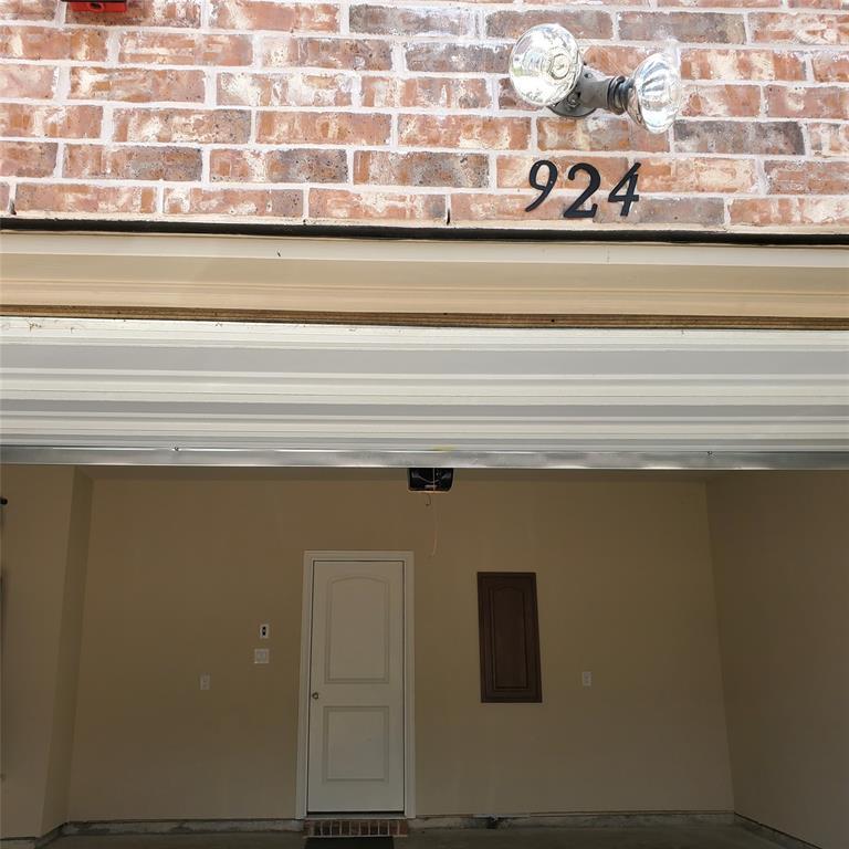 924 Grace  Lane, Lewisville, Texas 75056 - acquisto real estate mvp award real estate logan lawrence