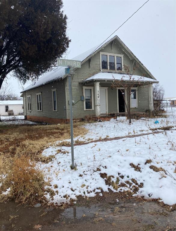 200 3rd  Avenue, Knox City, Texas 76371 - Acquisto Real Estate best frisco realtor Amy Gasperini 1031 exchange expert