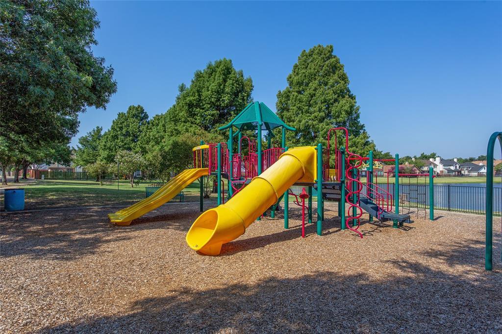 1729 Brook  Lane, Flower Mound, Texas 75028 - Acquisto Real Estate best frisco realtor Amy Gasperini 1031 exchange expert