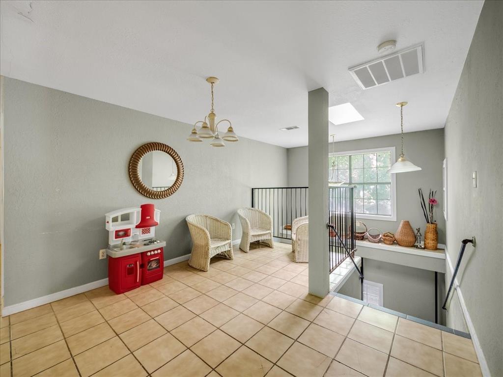 1850 Pollard  Street, Dallas, Texas 75208 - acquisto real estate best highland park realtor amy gasperini fast real estate service