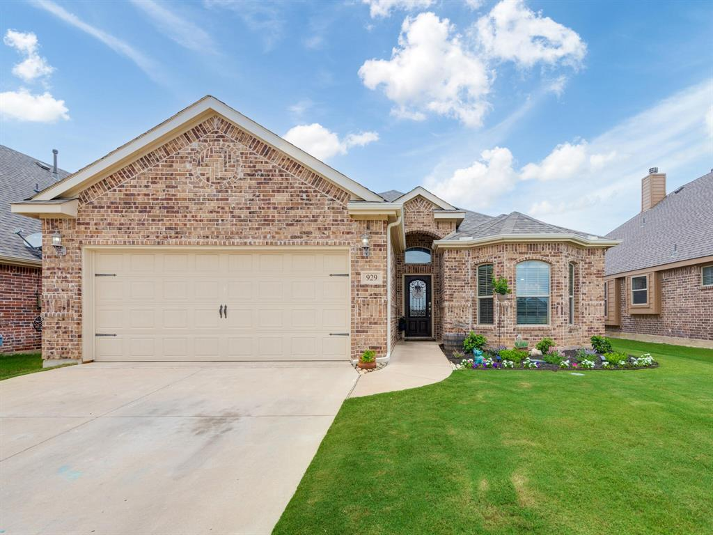 929 Viburnum  Drive, Fort Worth, Texas 76131 - Acquisto Real Estate best plano realtor mike Shepherd home owners association expert
