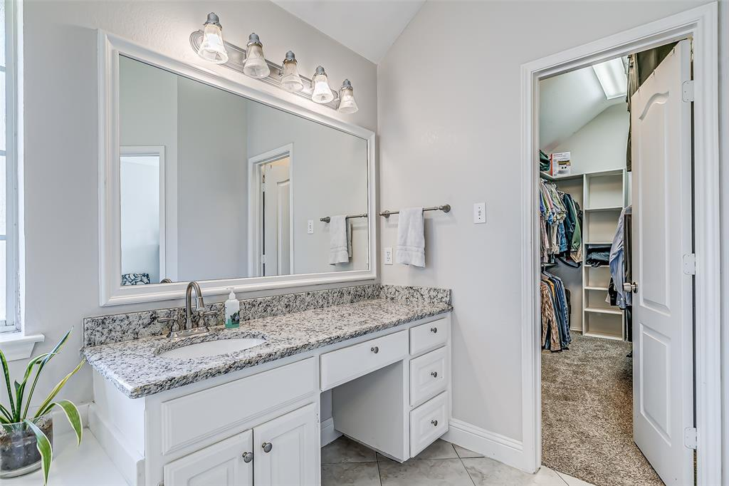 7308 Spring Oak  Drive, North Richland Hills, Texas 76182 - acquisto real estate best park cities realtor kim miller best staging agent