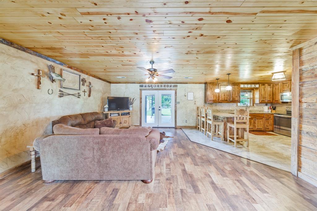 1035 Cedar  Street, Muenster, Texas 76252 - Acquisto Real Estate best frisco realtor Amy Gasperini 1031 exchange expert