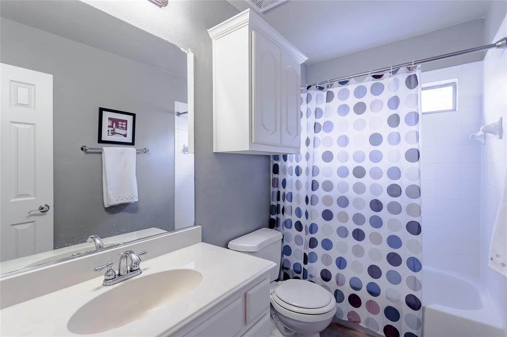 6133 Sunrise Lake  Drive, Fort Worth, Texas 76179 - acquisto real estate mvp award real estate logan lawrence