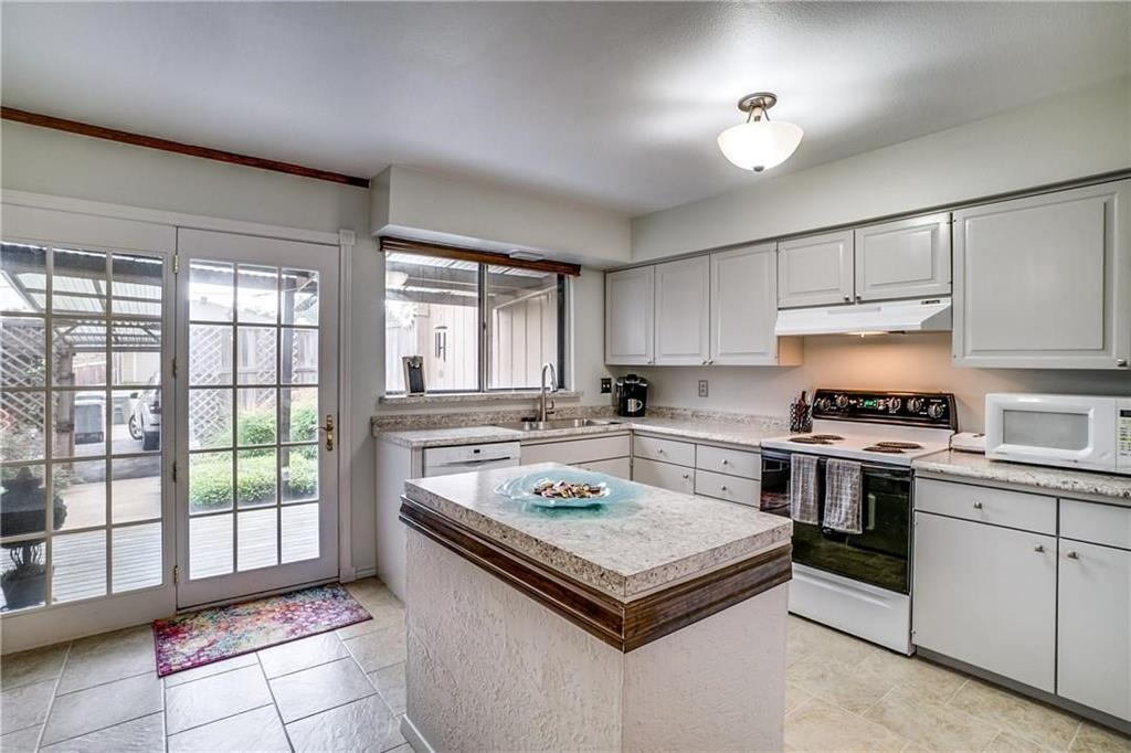 11914 Leisure  Drive, Dallas, Texas 75243 - Acquisto Real Estate best plano realtor mike Shepherd home owners association expert