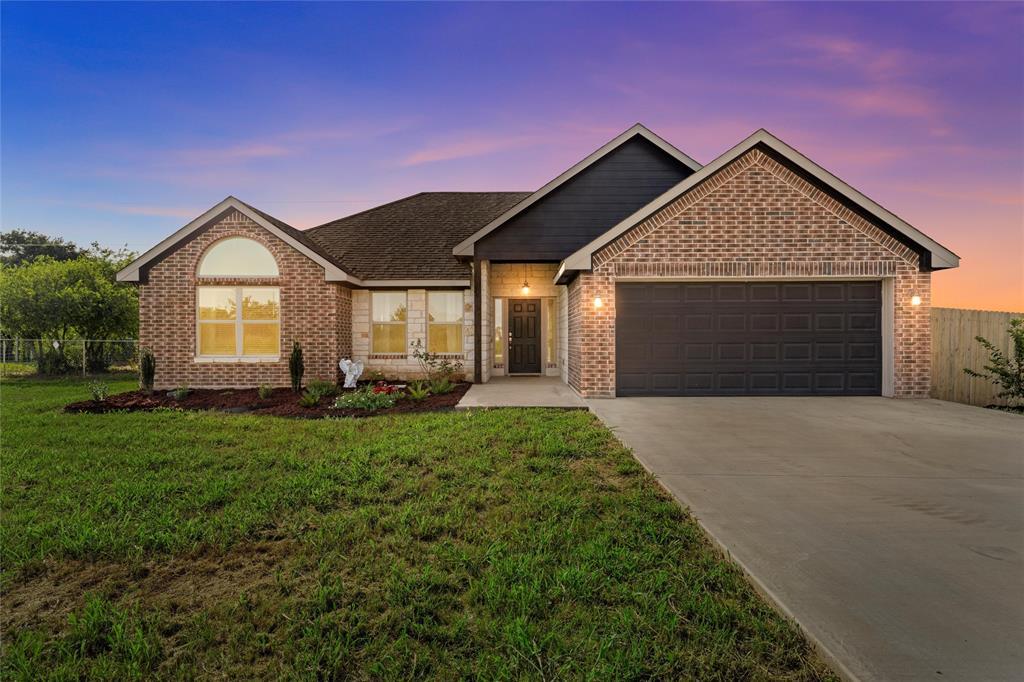 160 Catherine  Drive, Whitney, Texas 76692 - Acquisto Real Estate best frisco realtor Amy Gasperini 1031 exchange expert