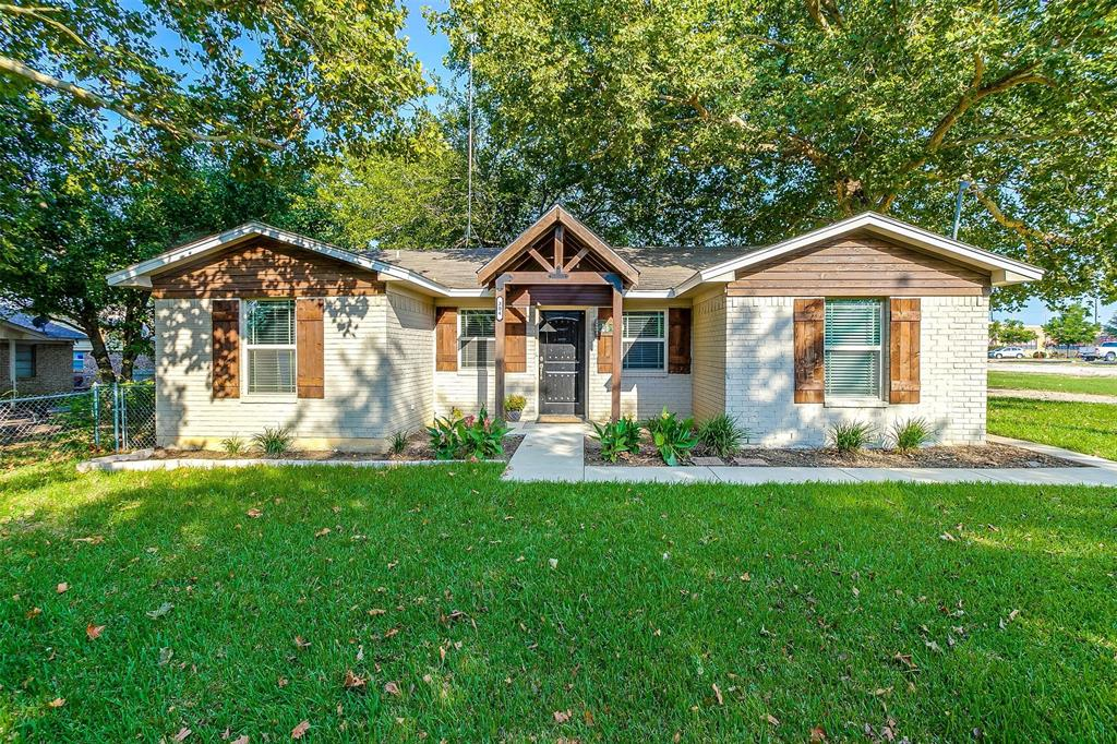 304 Phillips  Street, Maypearl, Texas 76064 - Acquisto Real Estate best frisco realtor Amy Gasperini 1031 exchange expert