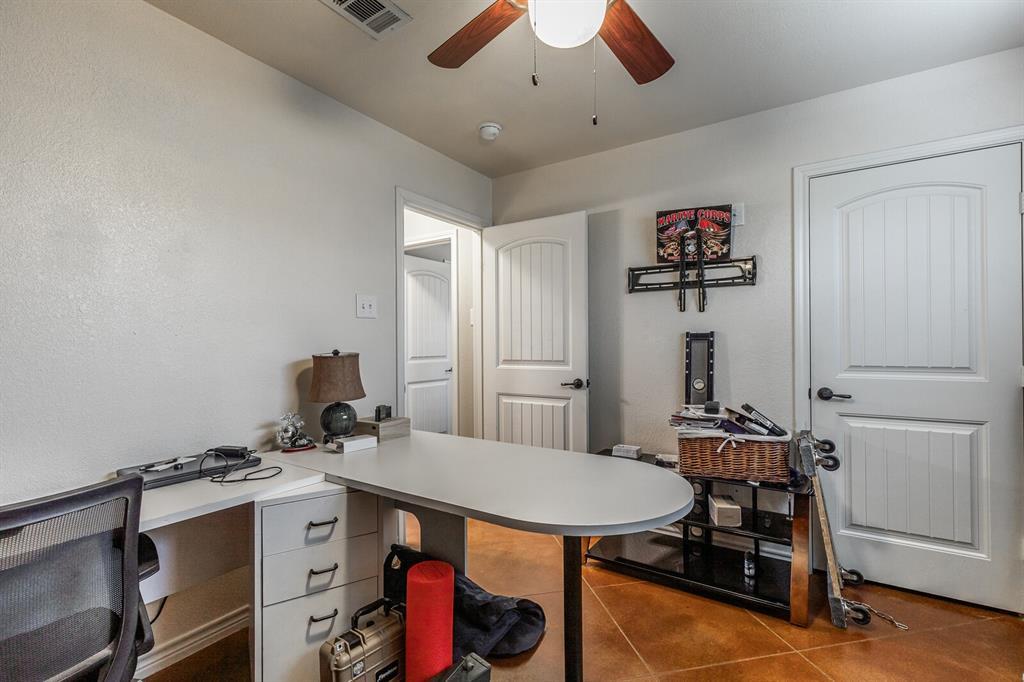 124 Joyce  Street, Whitney, Texas 76692 - acquisto real estate best realtor foreclosure real estate mike shepeherd walnut grove realtor
