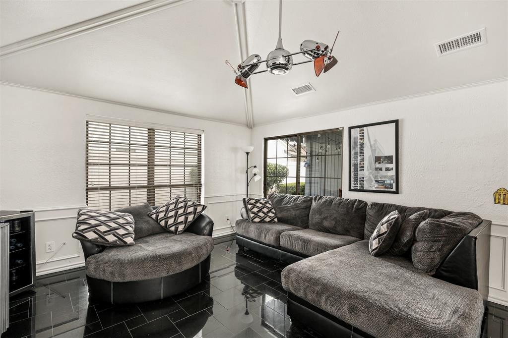 6530 La Manga  Drive, Dallas, Texas 75248 - acquisto real estate best photos for luxury listings amy gasperini quick sale real estate