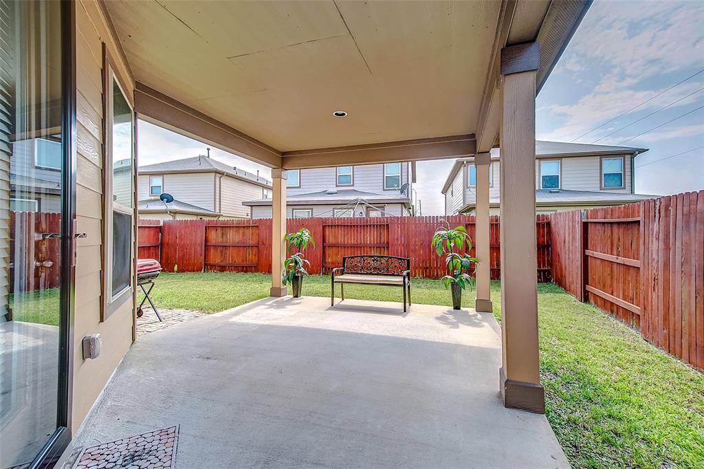 12406 Skyview Crescent  Court, Houston, Texas 77047 - Acquisto Real Estate best frisco realtor Amy Gasperini 1031 exchange expert