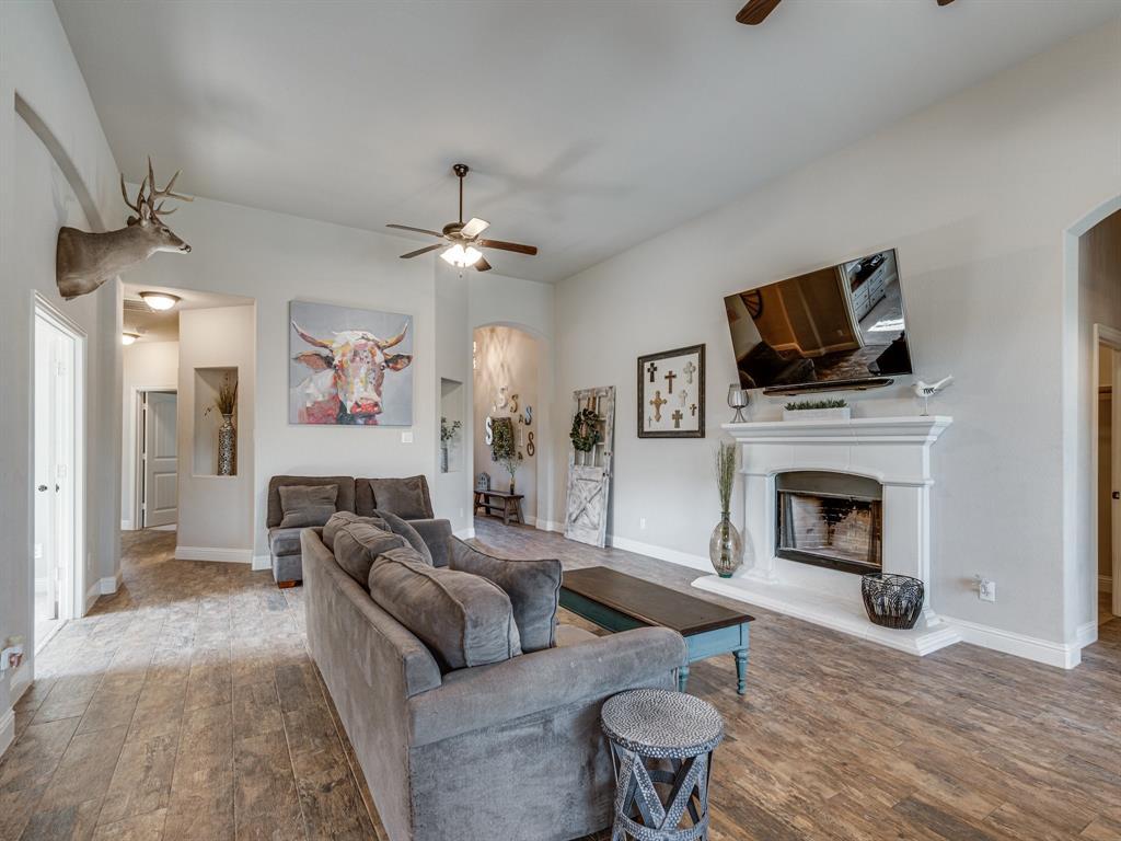 409 Hillstone  Drive, Midlothian, Texas 76065 - acquisto real estate best prosper realtor susan cancemi windfarms realtor