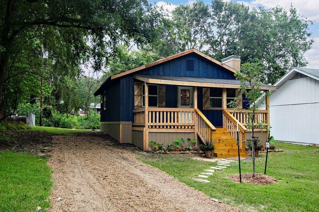 601 Hilltop  Drive, Tool, Texas 75143 - Acquisto Real Estate best frisco realtor Amy Gasperini 1031 exchange expert