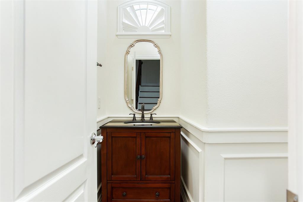 3817 Travis  Street, Dallas, Texas 75204 - acquisto real estate best new home sales realtor linda miller executor real estate