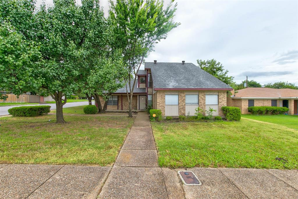 3701 Misty Meadow  Drive, Fort Worth, Texas 76133 - Acquisto Real Estate best frisco realtor Amy Gasperini 1031 exchange expert