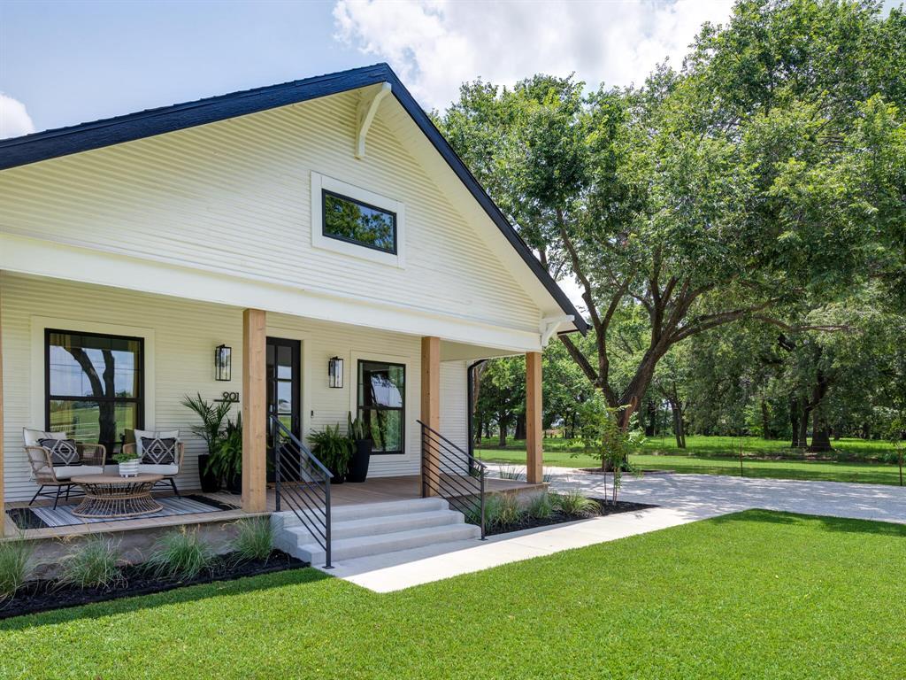 901 Debbie  Lane, Pilot Point, Texas 76258 - acquisto real estate best the colony realtor linda miller the bridges real estate