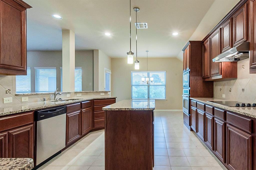 5025 Hidden Creek  Road, Garland, Texas 75043 - acquisto real estate best highland park realtor amy gasperini fast real estate service
