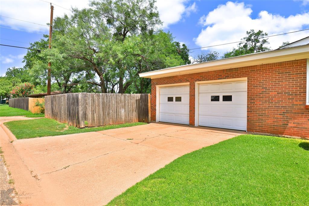 1402 Glenhaven  Drive, Abilene, Texas 79603 - acquisto real estate best prosper realtor susan cancemi windfarms realtor