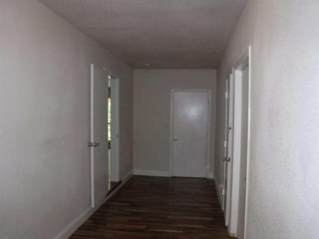 721 Elm  Street, Muenster, Texas 76252 - Acquisto Real Estate best frisco realtor Amy Gasperini 1031 exchange expert