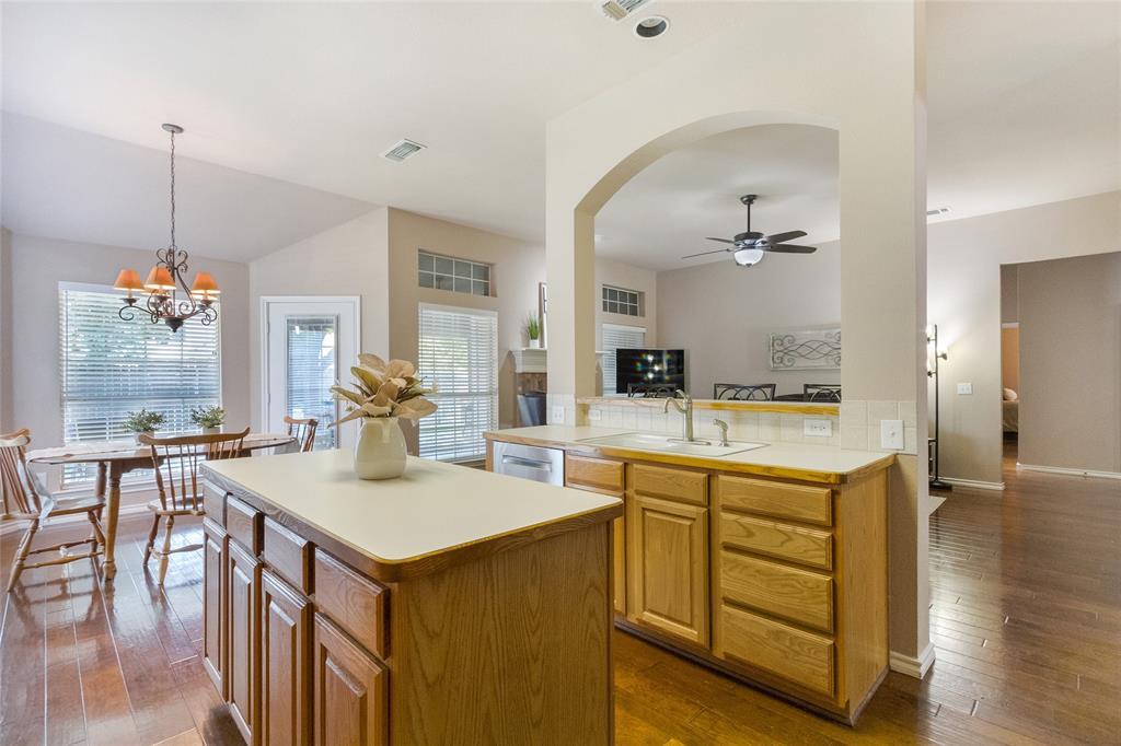 8712 Falcon Crest  Drive, McKinney, Texas 75072 - acquisto real estate best listing listing agent in texas shana acquisto rich person realtor