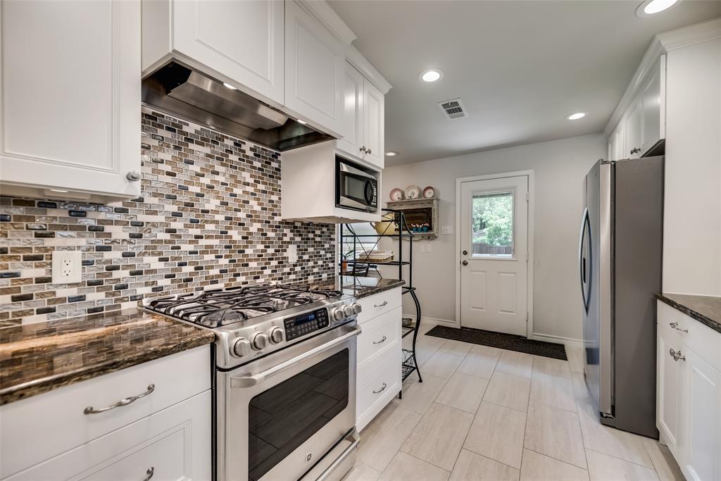 925 Teakwood  Drive, Richardson, Texas 75080 - acquisto real estate best highland park realtor amy gasperini fast real estate service