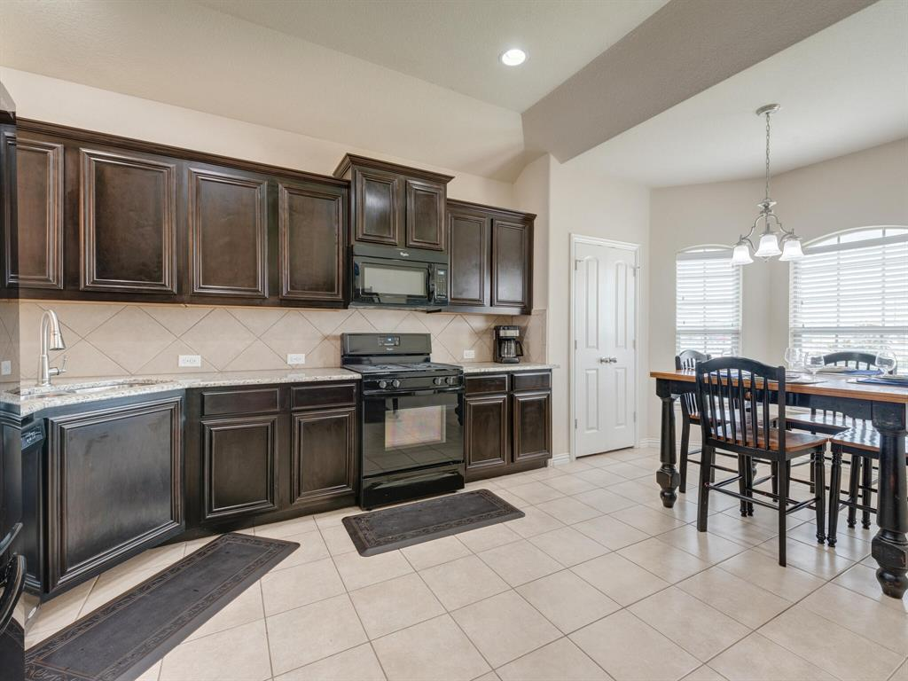 929 Viburnum  Drive, Fort Worth, Texas 76131 - acquisto real estate best flower mound realtor jody daley lake highalands agent of the year