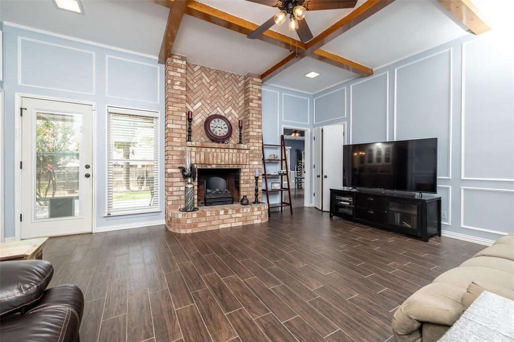 802 Glenn  Drive, Euless, Texas 76039 - acquisto real estate best prosper realtor susan cancemi windfarms realtor