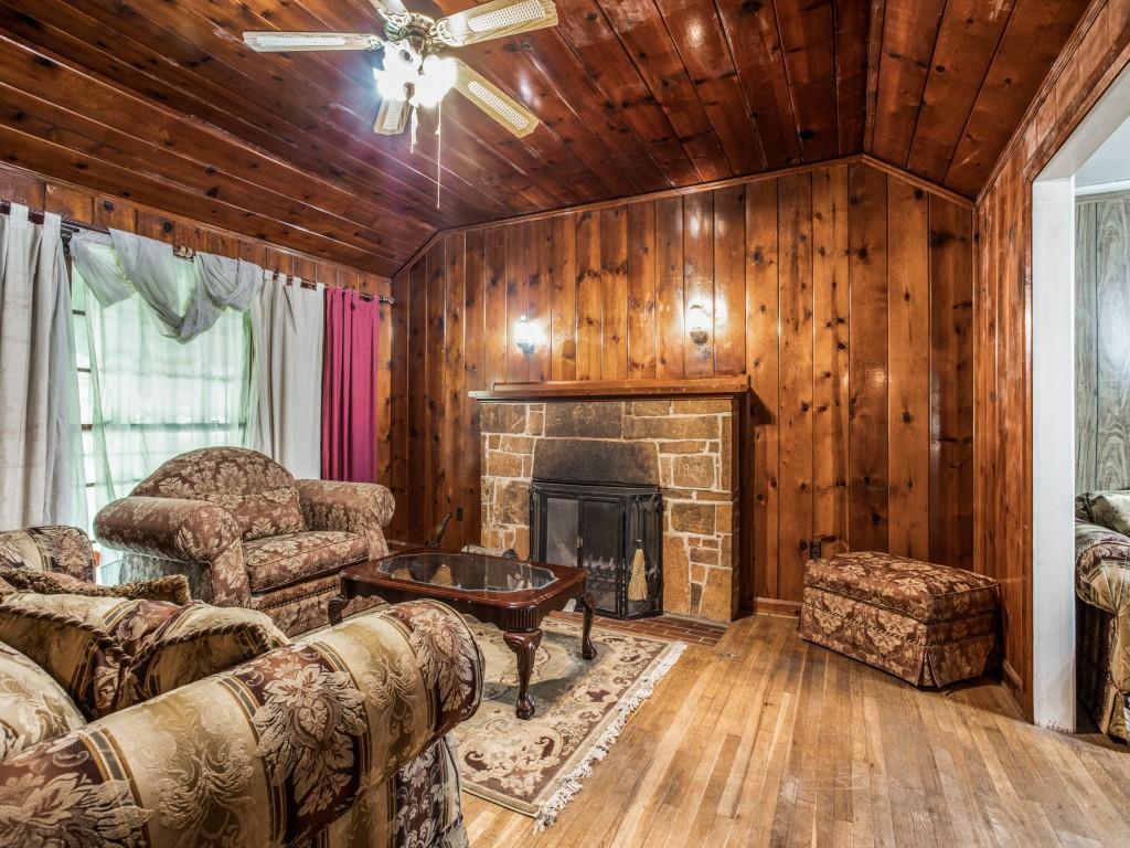 3315 Ledbetter  Drive, Dallas, Texas 75216 - acquisto real estate best celina realtor logan lawrence best dressed realtor