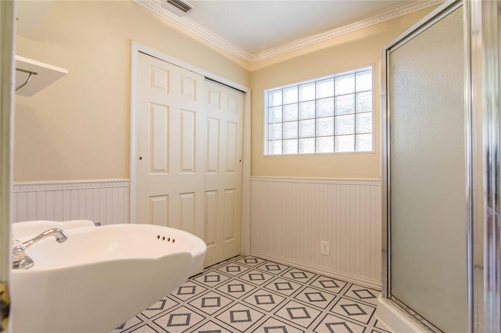 928 Dora  Street, Bedford, Texas 76022 - acquisto real estate best highland park realtor amy gasperini fast real estate service