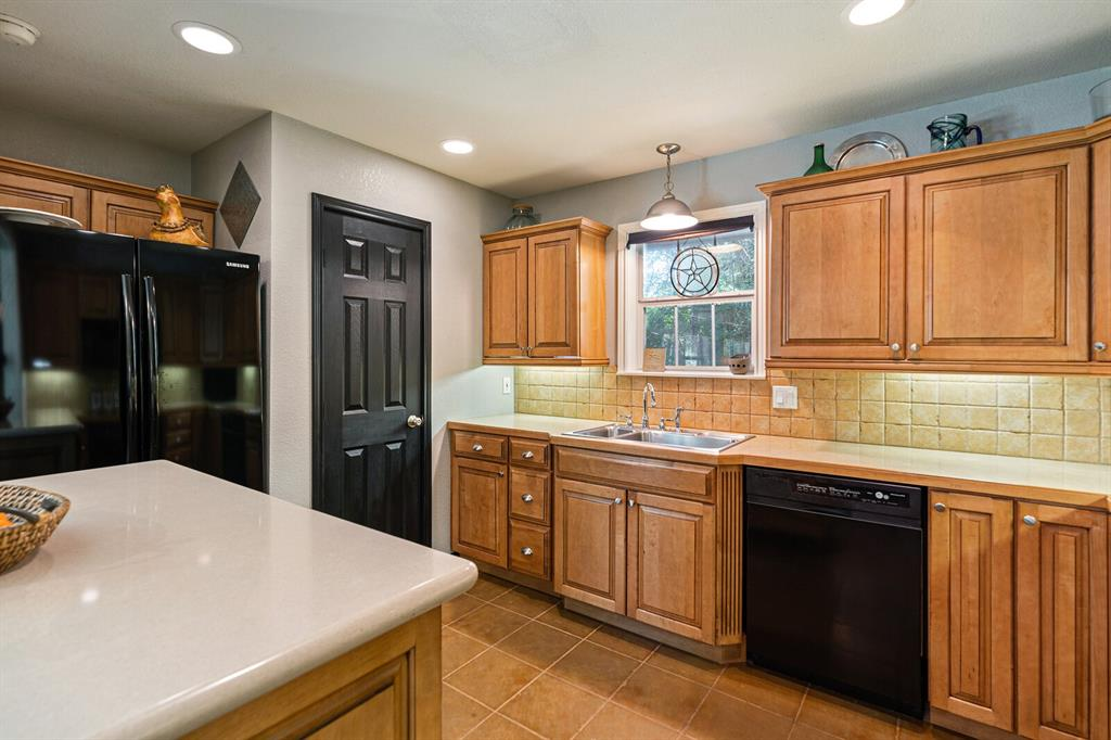 4 Sandy  Lane, Teague, Texas 75860 - acquisto real estate best luxury buyers agent in texas shana acquisto inheritance realtor