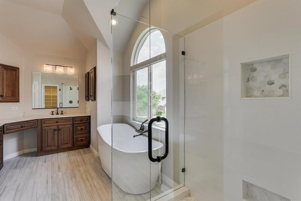 2124 Gisbourne  Drive, Flower Mound, Texas 75028 - acquisto real estate best designer and realtor hannah ewing kind realtor
