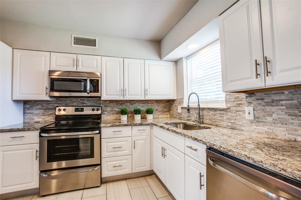 411 Hanbee  Street, Richardson, Texas 75080 - acquisto real estate best new home sales realtor linda miller executor real estate