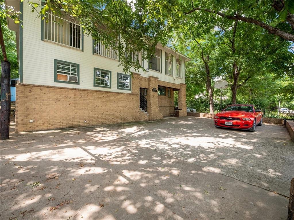 1850 Pollard  Street, Dallas, Texas 75208 - acquisto real estate best investor home specialist mike shepherd relocation expert