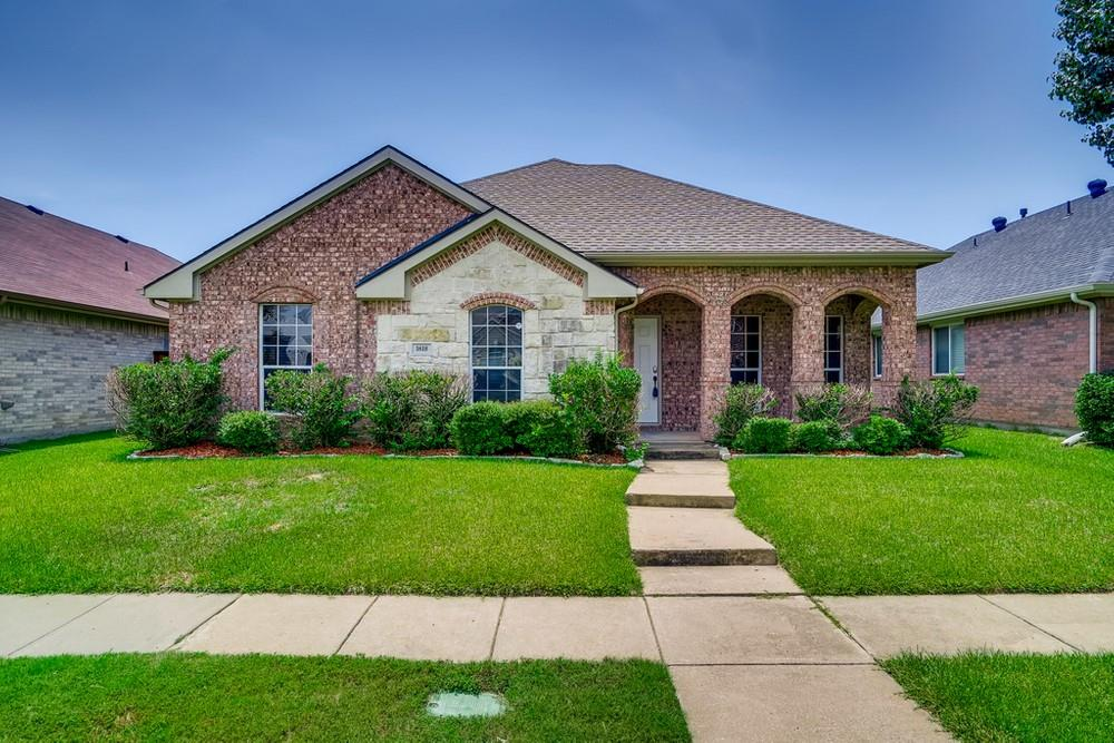 1618 Briarhollow  Court, Allen, Texas 75002 - Acquisto Real Estate best frisco realtor Amy Gasperini 1031 exchange expert