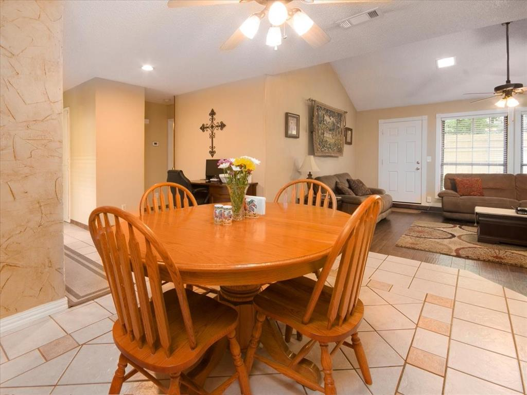 4700 Lone Oak  Drive, Arlington, Texas 76017 - acquisto real estate best designer and realtor hannah ewing kind realtor