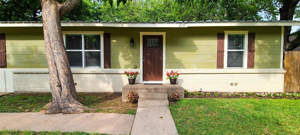 210 Washington  Street, Cleburne, Texas 76031 - Acquisto Real Estate best frisco realtor Amy Gasperini 1031 exchange expert