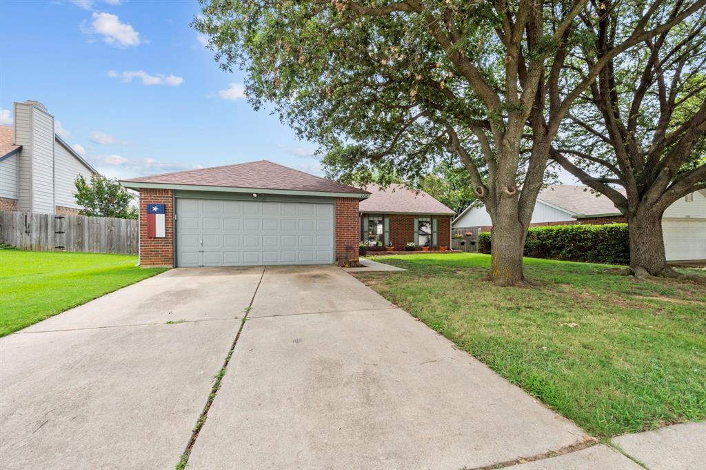 2112 Crestmeadow  Street, Denton, Texas 76207 - Acquisto Real Estate best mckinney realtor hannah ewing stonebridge ranch expert