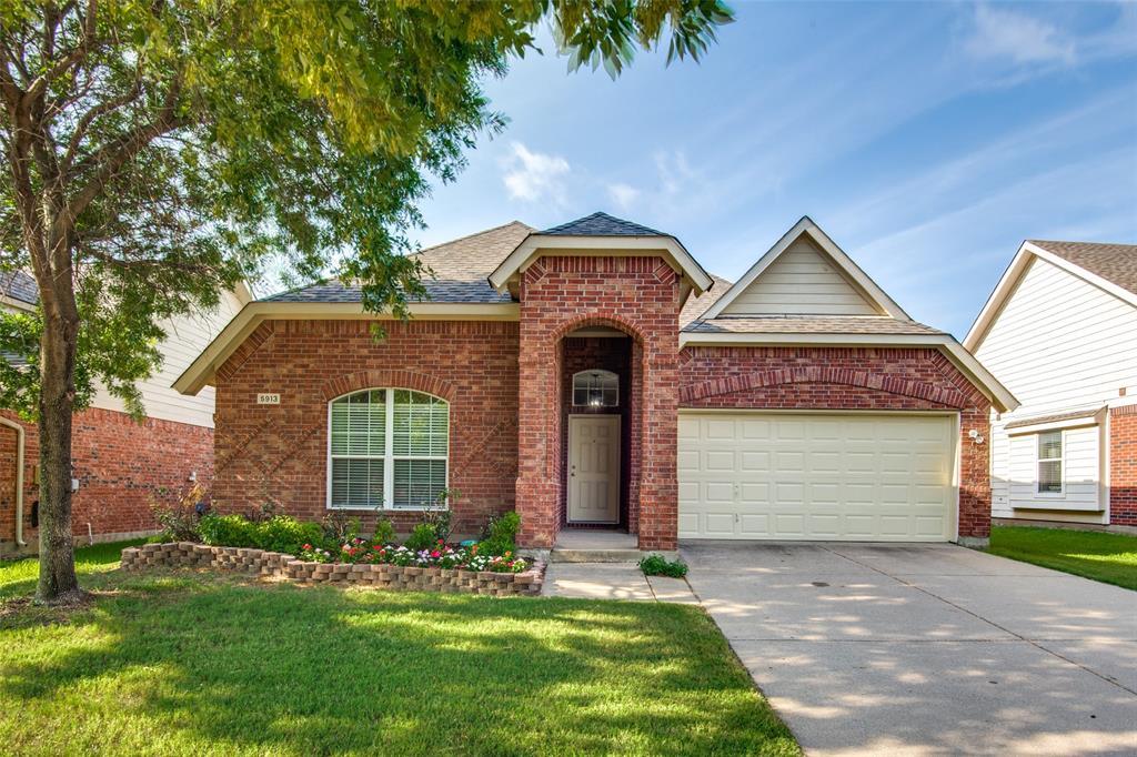 5913 Meadowglen  Drive, Denton, Texas 76226 - Acquisto Real Estate best plano realtor mike Shepherd home owners association expert