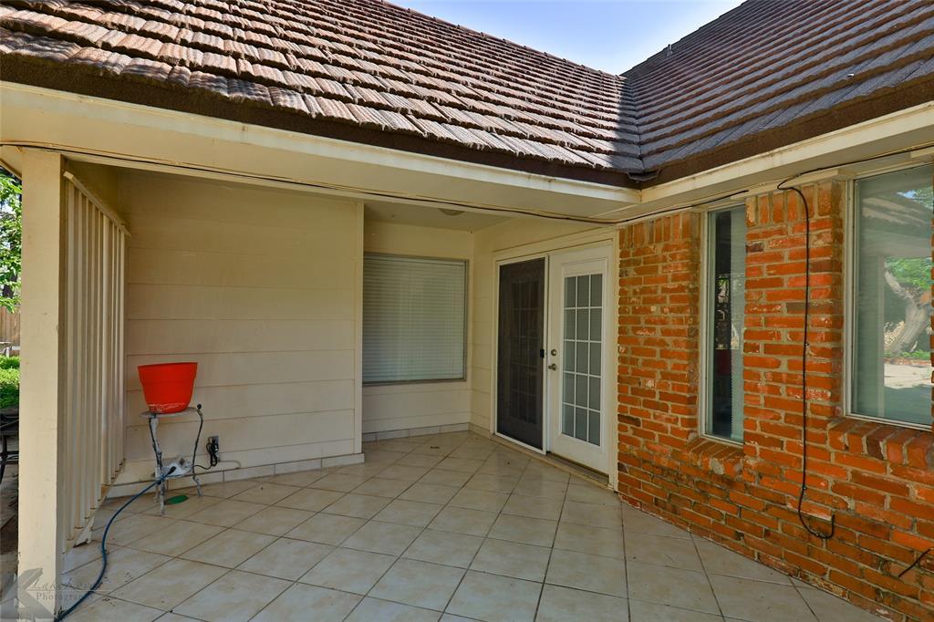1600 Kiowa  Drive, Big Spring, Texas 79720 - acquisto real estate best relocation company in america katy mcgillen